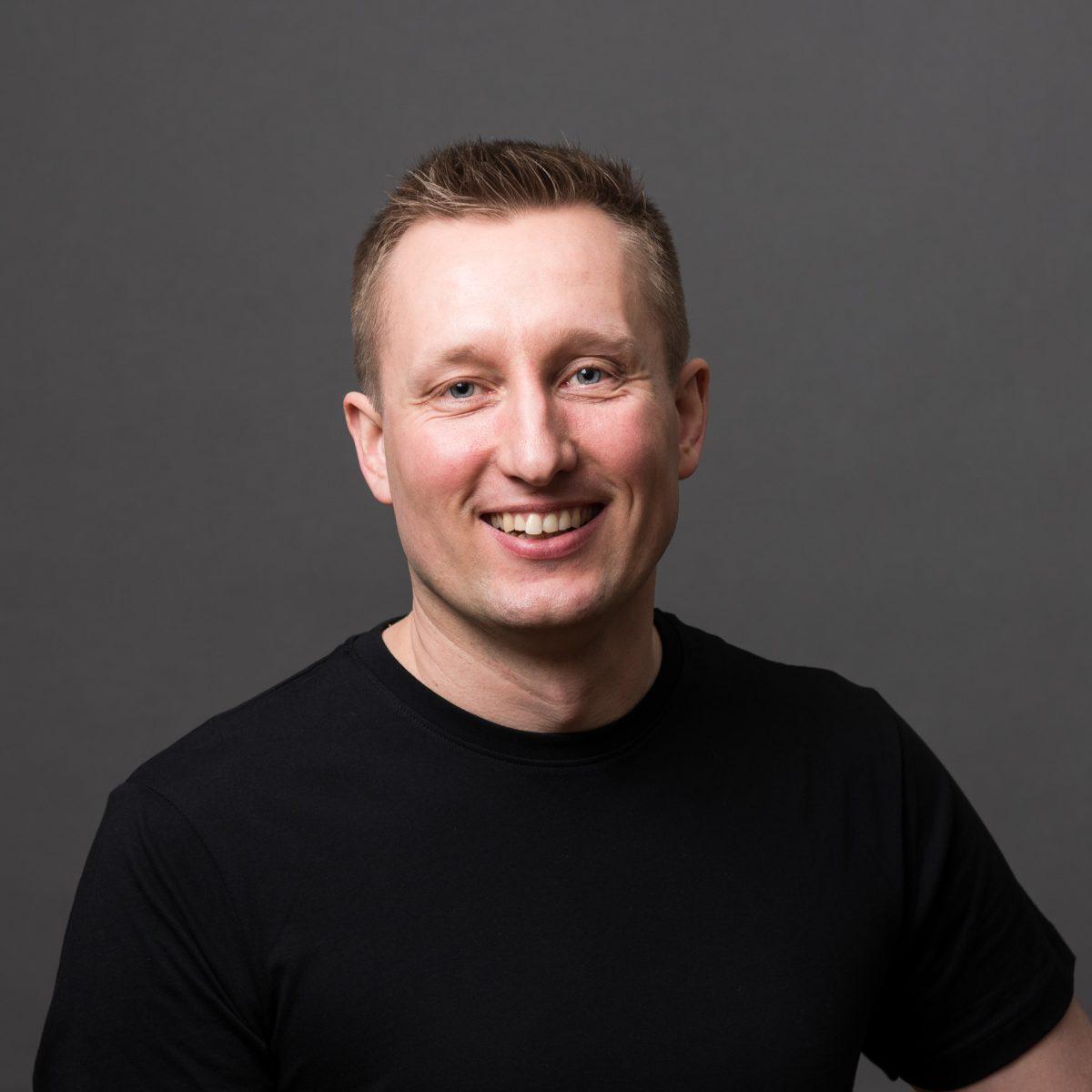 ANDREAS THOMASSON, valokuvaaja, leikkaaja Ja toimitusjohtaja